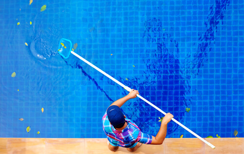 Pool cleaning service rep in Marin County